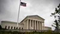"Corte Suprema falla a favor de Trump en caso sobre ""deportaciones exprés"""