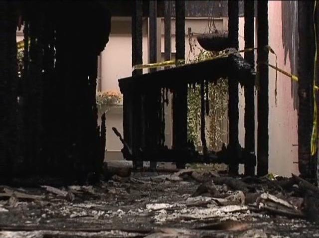 tlmd_investigan_crimen_en_apartamentos_de_mesa_hombre_mujer_muerta