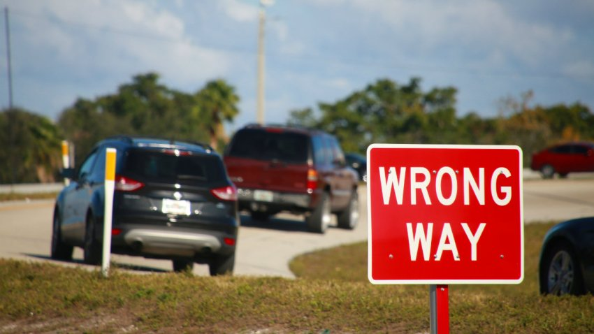 PORTADA WRONG WAY DRIVER