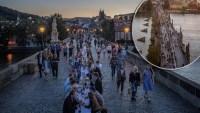 ¿Adiós a la pandemia? Celebran sin mascarillas en larguísima mesa sobre un puente