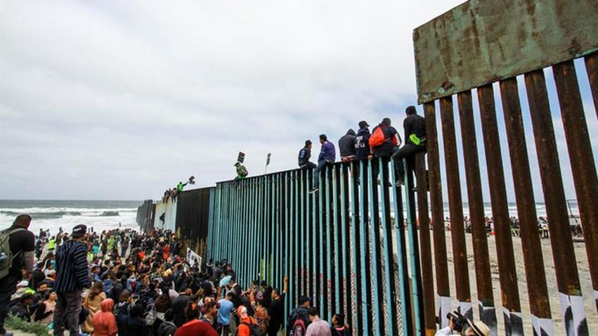 caravana migrante solicitud asilo frontera