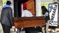 Colapsan los servicios fúnebres en una ciudad en Bolivia