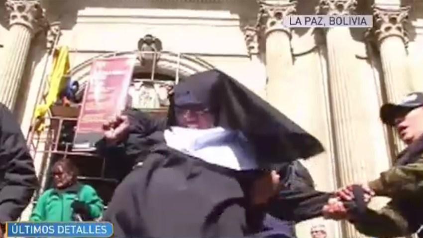 monja-disfrazada-protesta