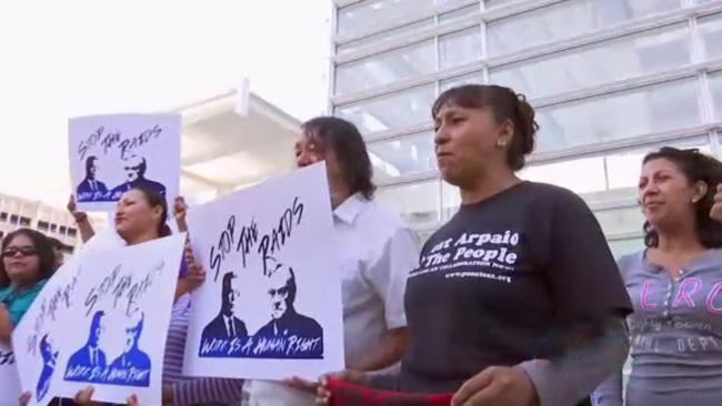 tlmd_personas_protestan_por_ley_antiinmigrante_robo_de_identidad_en_arizona
