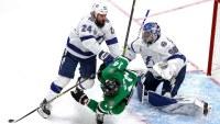 El equipo de hockey sobre hielo de los Tampa Bay Lightning son los nuevos ganadores de la copa Stanley