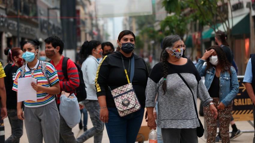 Personas con cubrebocas en Ciudad de México