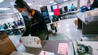 Condado Maricopa entregará material electoral al Senado de Arizona