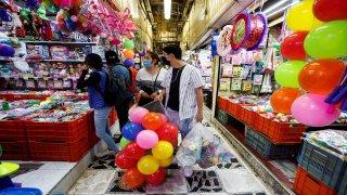 Pocas personas acudieron a comprar juguetes por Día de Reyes