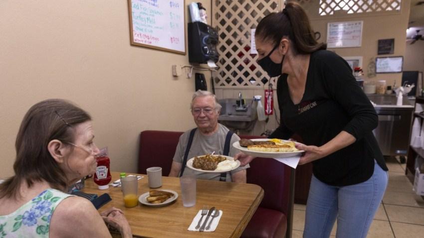 El gobernador Ducey anuncia $ 2 millones más en fondos para restaurantes de Arizona