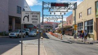 Arrestan en la frontera con México a sospechoso de asesinato en Las Vegas en 2106
