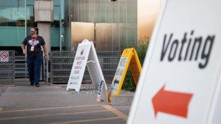 Reviven iniciativa de ley que eliminaría lista de votación anticipada en Arizona