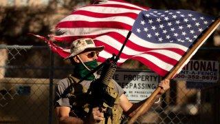 Aprueban dos proyectos de ley en favor del uso de armas en Arizona