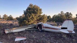 Hallan dos muertos en accidente de avión al oeste de Flagstaff