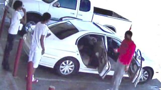 Buscan a sospechosos que dispararon a agente del FBI desde un vehículo en Phoenix
