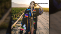"""""""No olviden de dónde vienen"""": joven celebra su grado con homenaje a sus padres inmigrantes"""