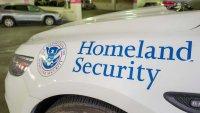 DHS: familias migrantes que cruzan la frontera estarán sujetas a la deportación acelerada