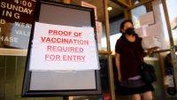 Más personas en EEUU alegan razones religiosas para no vacunarse contra el COVID-19