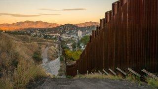 Acusan de abuso sexual a integrante de la Guardia Nacional en frontera sur de Arizona