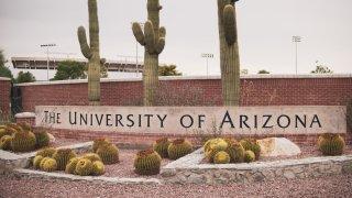 Investigan varios robos de vehículos Jeep Wrangler en la Universidad de Arizona