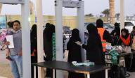 TLMD-arabia-saudi-saudita-mujeres-por-primera-vez-permitidas-entrar-a-estadio-de-futbol-EFE-636513872260228361w