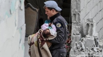 Cientos han muerto en los recientes bombardeos en un barrio en Damasco; los hospitales no dan abasto.