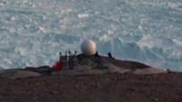 Una grupo de científicos sobrevoló partes de Groenlandia, donde el derretimiento de hielos está causando estragos.