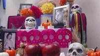 Te mostramos en un minuto cómo recrear esta popular tradición mexicana, que representa una ofrenda a los seres queridos fallecidos.