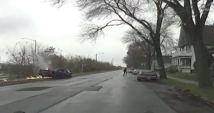 Un hombre de Milwaukee enfrenta múltiples cargos luego de que supuestamente condujo a la policía a una persecución por una autopista, en...