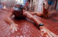 La guerra de tomates que ocurre en España todos los años