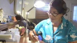 Inmigrante se convierte en ciudadana a sus 79 años