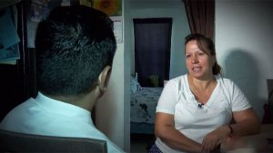 Mujer vive pesadilla al reclamar garantía de lavadora