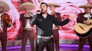 Roberto Tapia debuta en el mariachi y estrena video