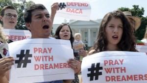 AP: acuerdo por dreamers incluye ruta a la ciudadanía