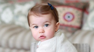 William y Kate difunden nuevas fotos de su princesita
