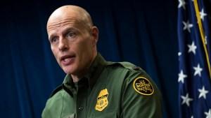 Director interino de ICE, Ron Vitiello, saldrá de su cargo