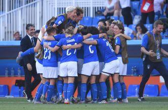 Italia le gana a China  2-0 y pasa a cuartos de final