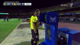 Debuta el VAR en la Copa América y nos regala la primera tarjeta amarilla