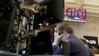 Dow Jones cae 800 puntos mientras se teme recesión