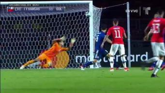 Zambombazo de Edu Vargas marca el 2-0 para Chile