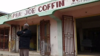 Paa Joe, el funebrero más extravagante del mundo