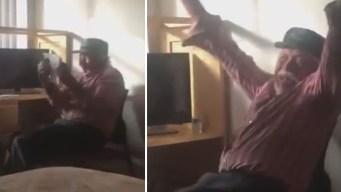 Emotivo video: abuelito recibe la ciudadanía tras 19 años en EEUU