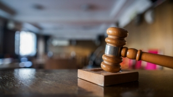 Restricciones de asilo: juez bloquea reglas de Trump