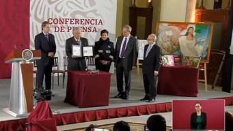 Empresa de compadre de AMLO gana contrato millonario