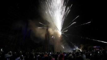Conquista: pirotecnia ilumina la pirámide de Cholula