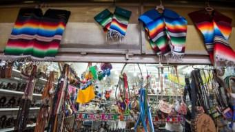Artesanos defienden el sarape mexicano ante imitaciones
