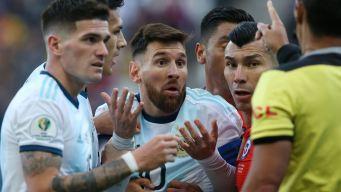 Los momentos de tensión y peleas en el Argentina vs Chile