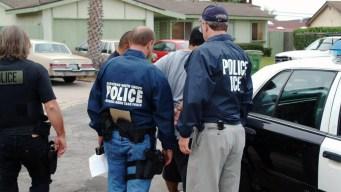 Gobierno mexicano alista defensa para migrantes en EEUU