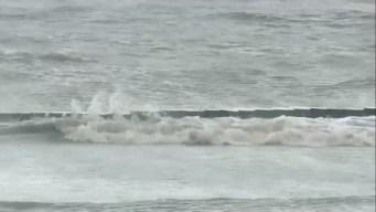 Fuerte oleaje en el lago Pontchartrain previo al huracán Barry