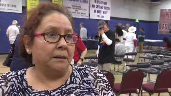 Realizan vigilia en Phoenix para víctimas de tiroteos