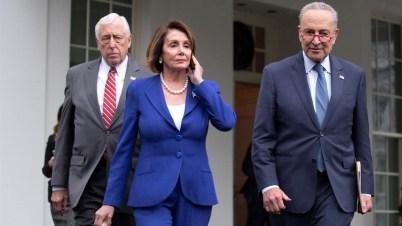 Trump llama a Nancy Pelosi